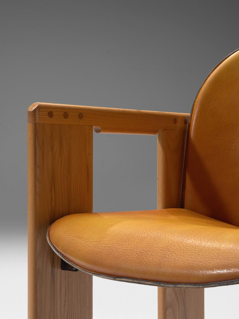 Late 20th Century Large Set of +90 'Dialogo' Cognac Leather Chairs by Afra and Tobia Scarpa  For Sale