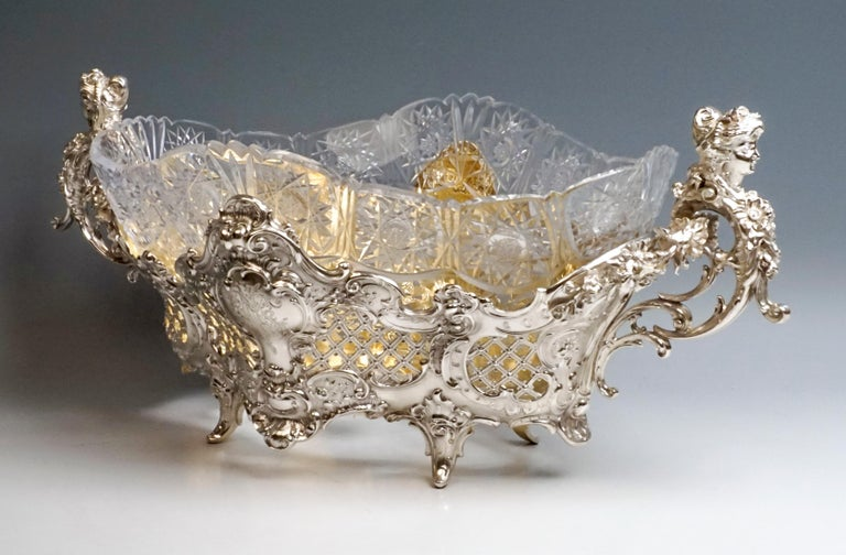 Large Silver Centerpiece Historicism Flower Bowl With Glass Liner, Germany, 1895 In Good Condition For Sale In Vienna, AT
