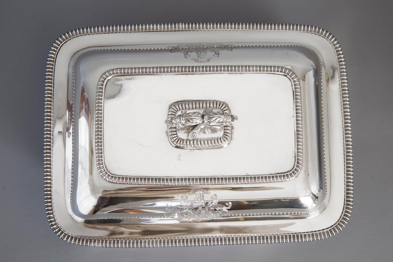 Large Silver Entree Dish with Warming Dish London 1814 In Good Condition For Sale In Cornwall, GB
