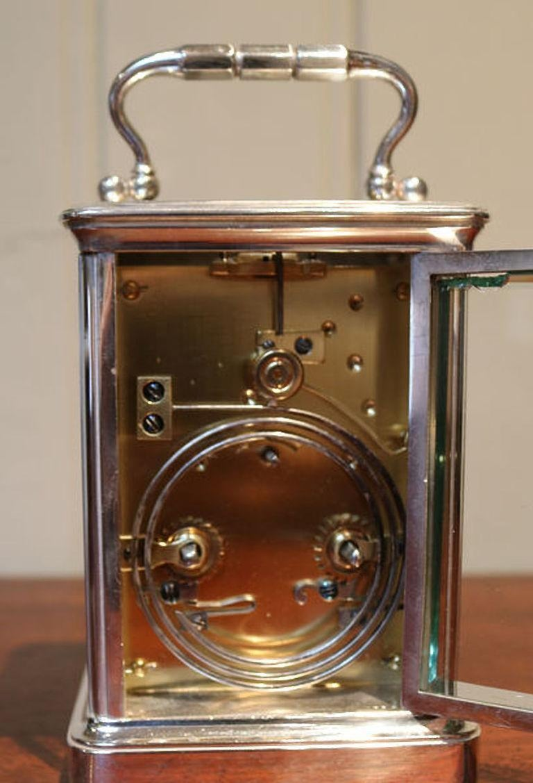 Large Silver Plated Striking Carriage Clock In Good Condition For Sale In Beaconsfield, GB