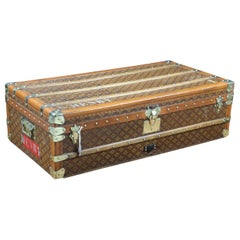 "Large-Sized ""Aux Etats Unis"" Cabin Trunk"