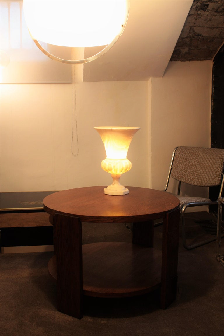 Large Spanish 1930s Neoclassical Art Deco Alabaster Urn Table Lamp In Good Condition For Sale In Barcelona, ES
