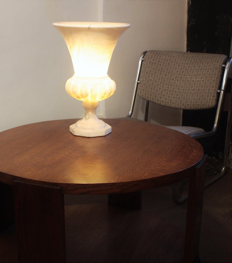 Mid-20th Century Large Spanish 1930s Neoclassical Art Deco Alabaster Urn Table Lamp For Sale