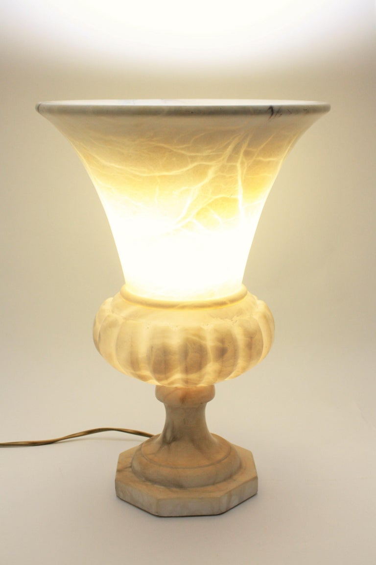 Large Spanish 1930s Neoclassical Art Deco Alabaster Urn Table Lamp For Sale 2