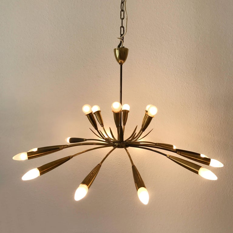 Large Sputnik Brass Chandelier with 18 Arms, 1950s In Good Condition For Sale In Munich, DE