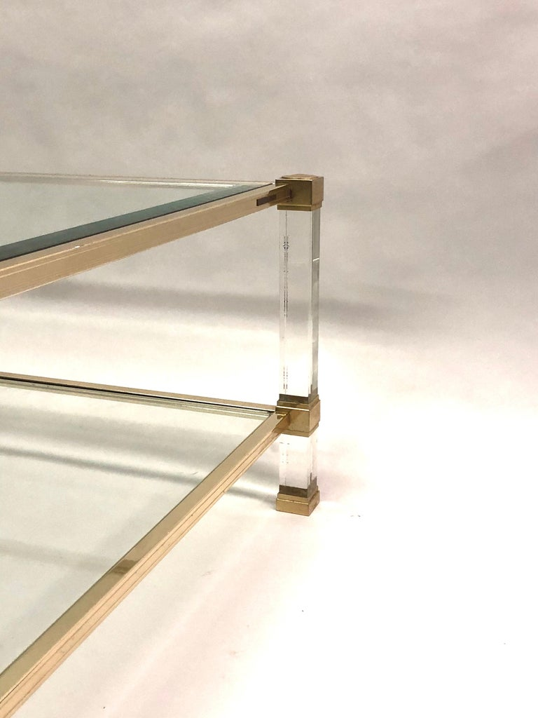 Large Square French Midcentury Double Tier Lucite and Brass Coffee Table, Vandel For Sale 1