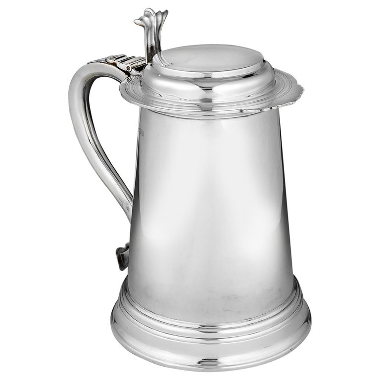 Large Sterling silver tankard, by Goldsmiths & Silversmiths Co., 1907 For Sale