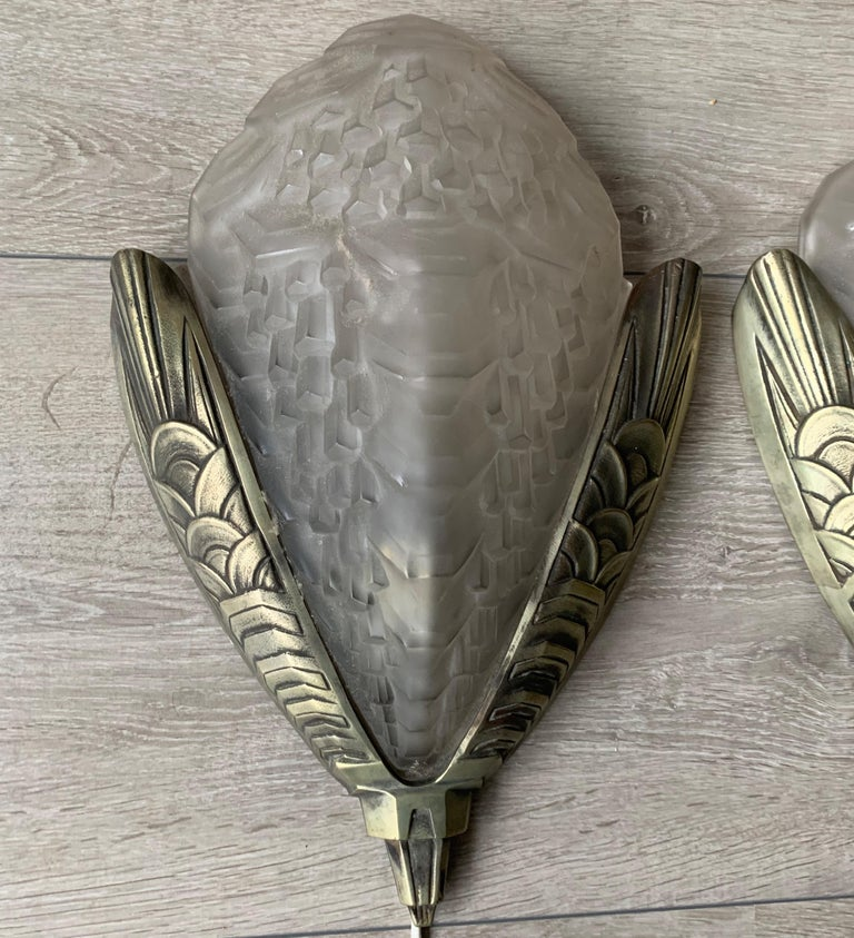 Large and Stylish Pair of Art Deco Bronze & Glass Wall Sconces / Light Fixtures For Sale 13