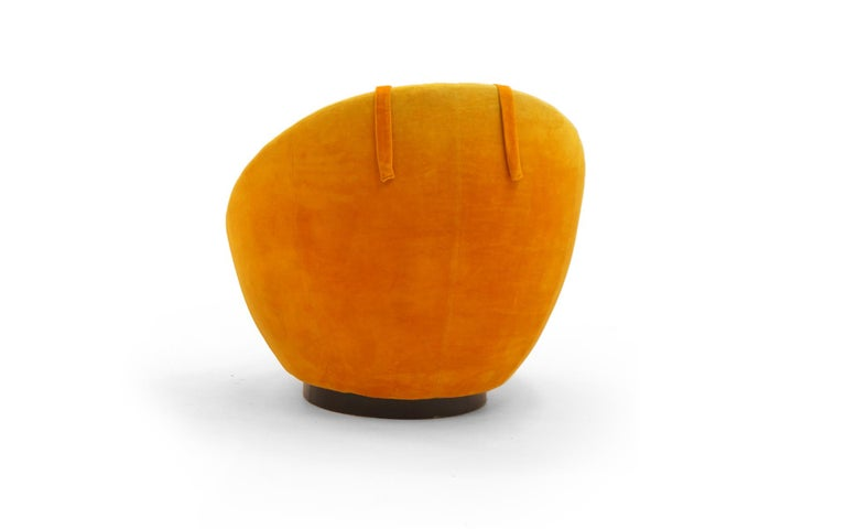 American Large Swivel Egg Chair by Milo Baughman, Original Orange For Sale