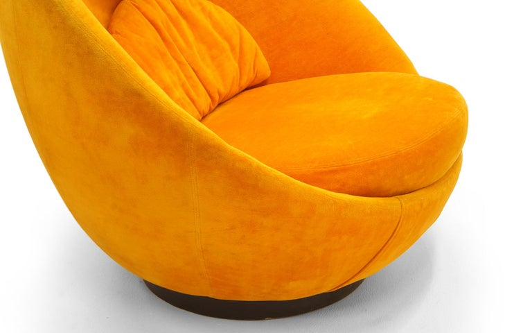 Upholstery Large Swivel Egg Chair by Milo Baughman, Original Orange For Sale