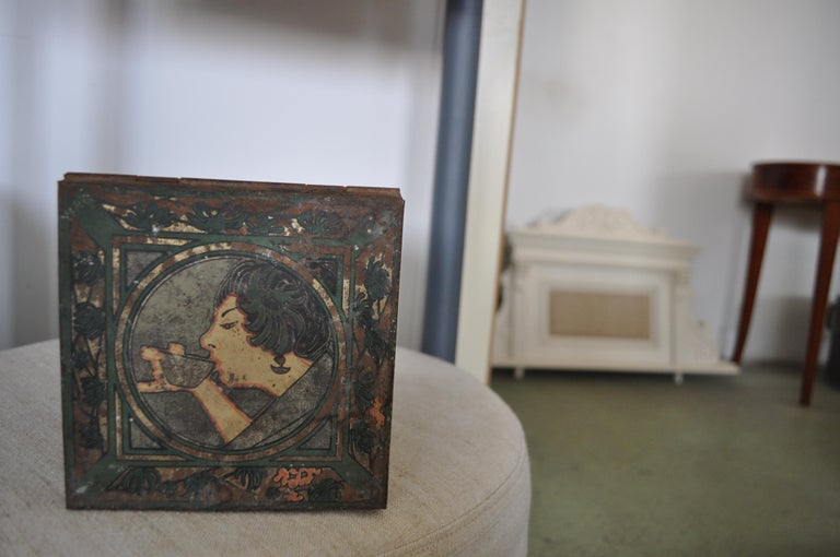 Large Tea Box, from the 1930s, Asian Tea Tin In Good Condition For Sale In Lábatlan, HU