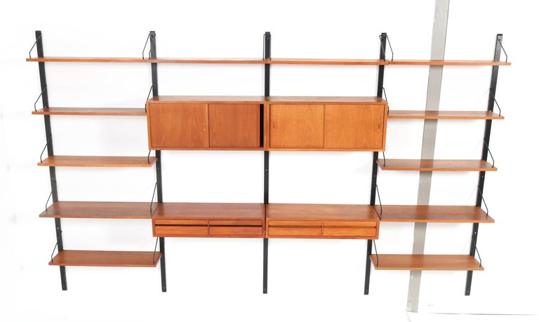 Large Teak Mid-Century Modern Royal Wall Unit by Poul Cadovius, 1950s In Good Condition In Amsterdam, NL