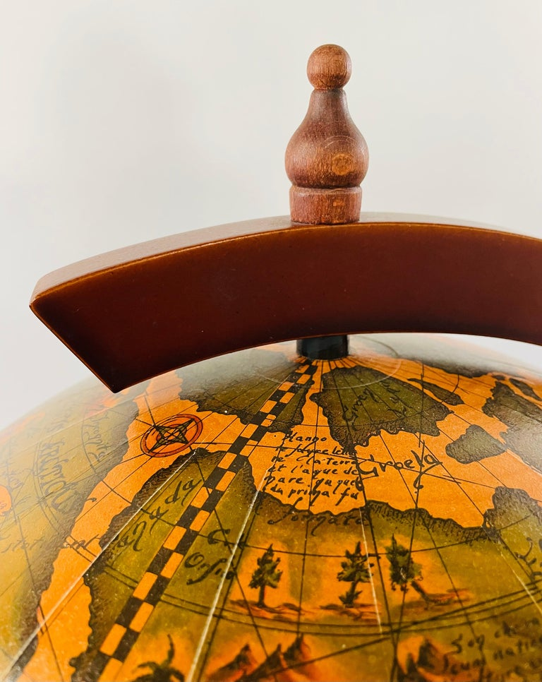Large Terrestrial and Celestial Globe with Astrological Signs, Circa 1970 In Good Condition For Sale In Plainview, NY