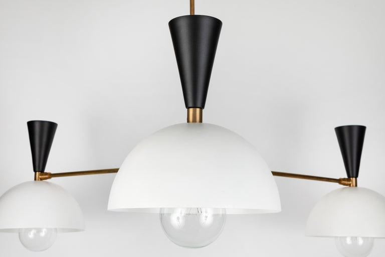 Large Three-Cone 'Lola II' Chandelier in Black and White For Sale 4