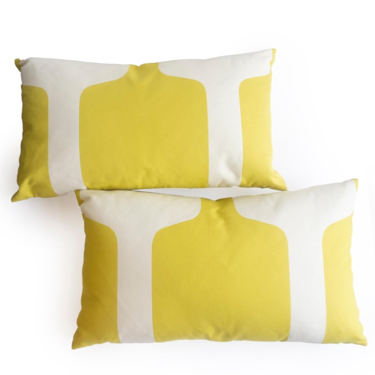Large Throw Pillows in Art Deco Printed Cotton In Excellent Condition For Sale In Westport, CT
