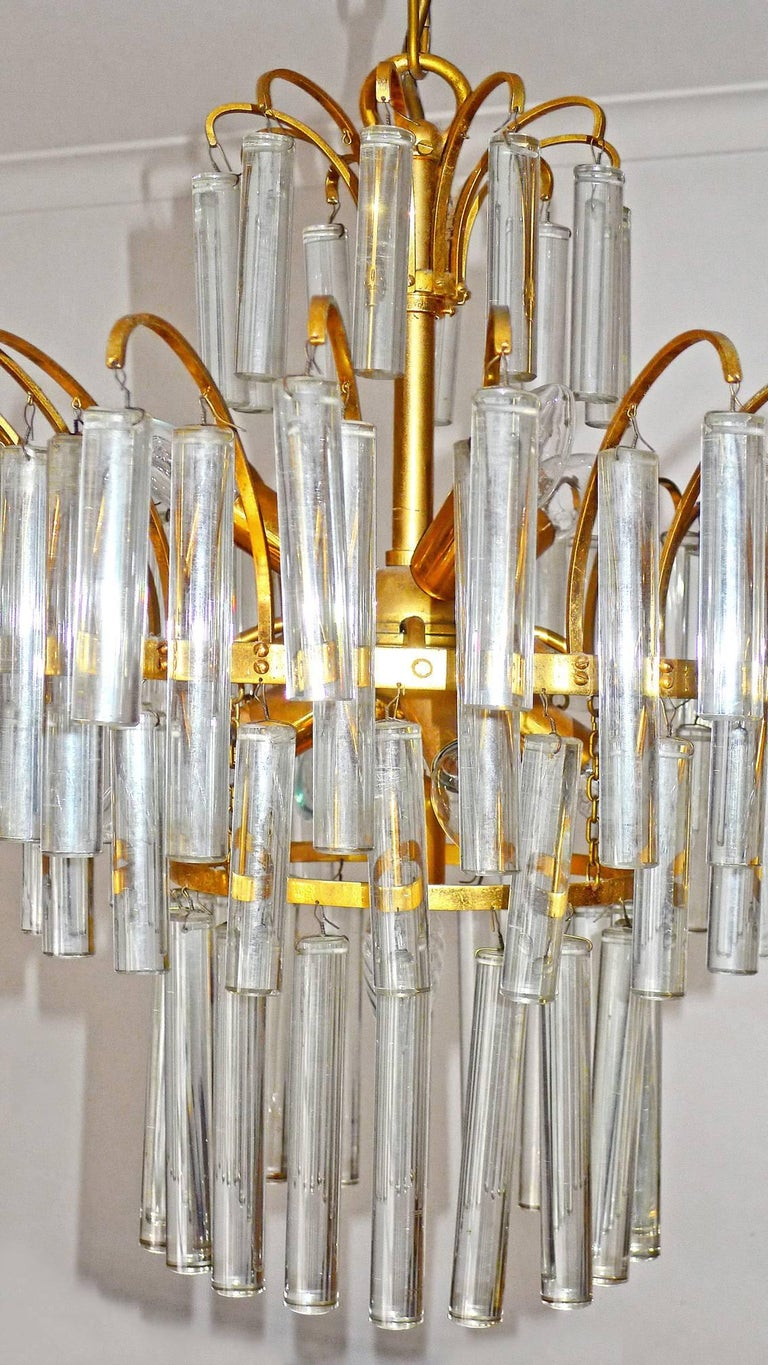 Large Venini Camer Midcentury Gilt Brass 94 Crystal Rods Waterfall Chandelier For Sale 3