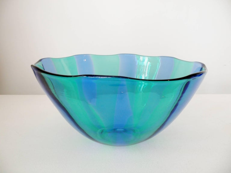 Mid-20th Century Large Venini Fulvio Bianconi Fasce Verticali Green and Blue Bowl For Sale