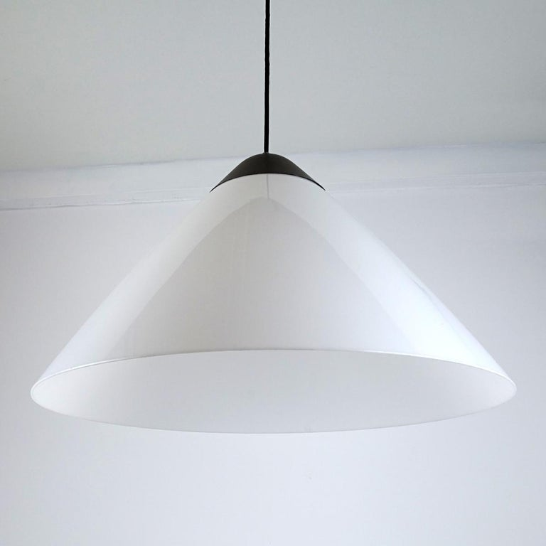 Large Version of the Opala Pendant by Hans J. Wegner for Louis Poulsen In Good Condition For Sale In Doornspijk, NL