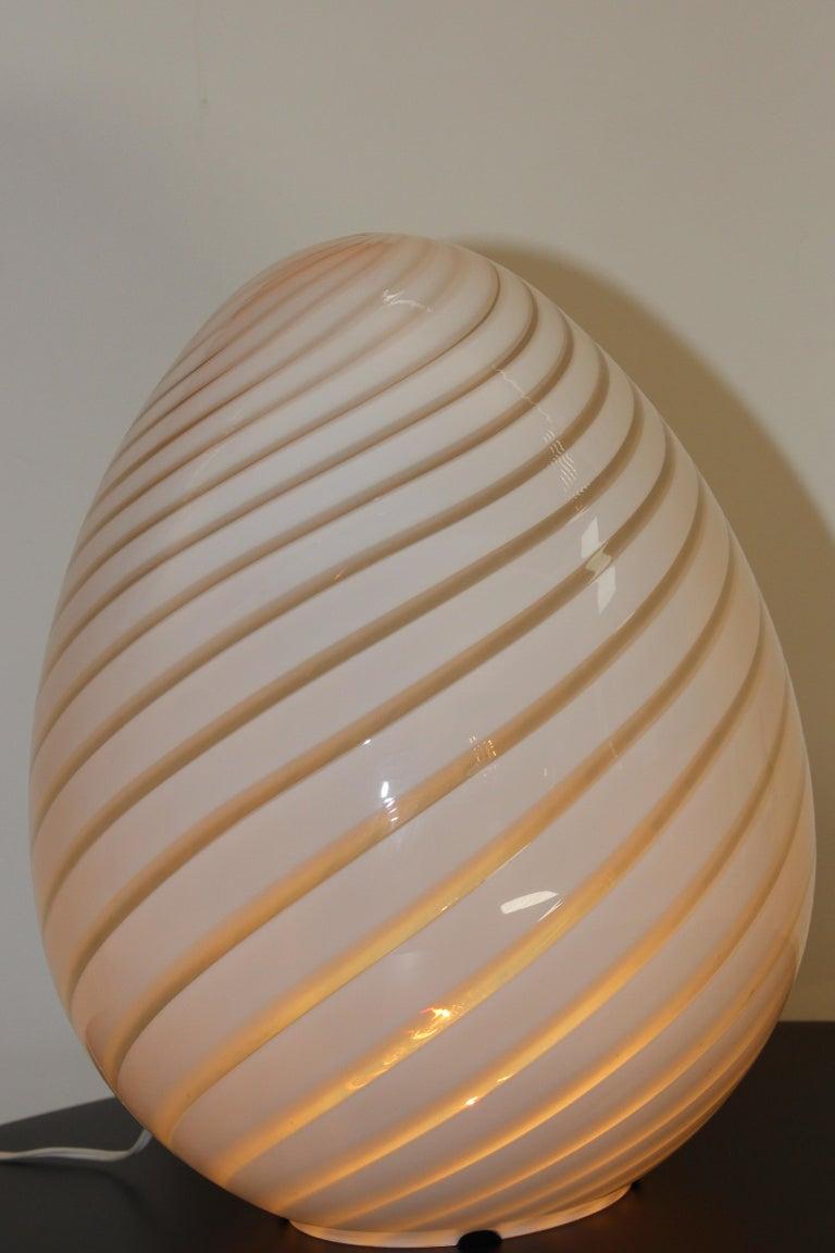 20th Century Large Vetri Murano White Egg Table Lamp For Sale