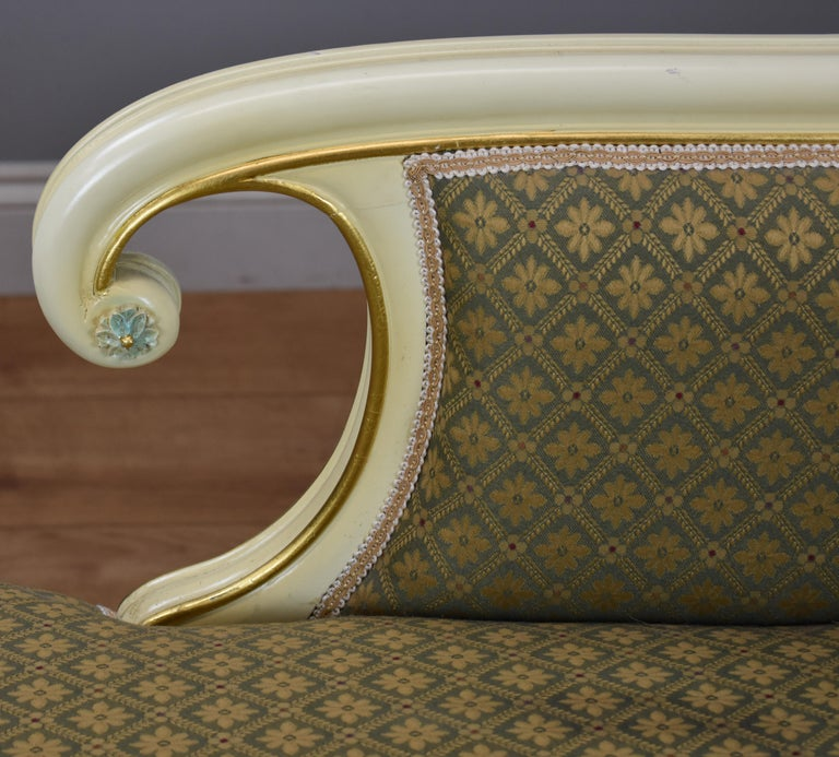 Large Victorian Style Chaise For Sale 2