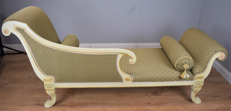 Large Victorian Style Chaise For Sale 3