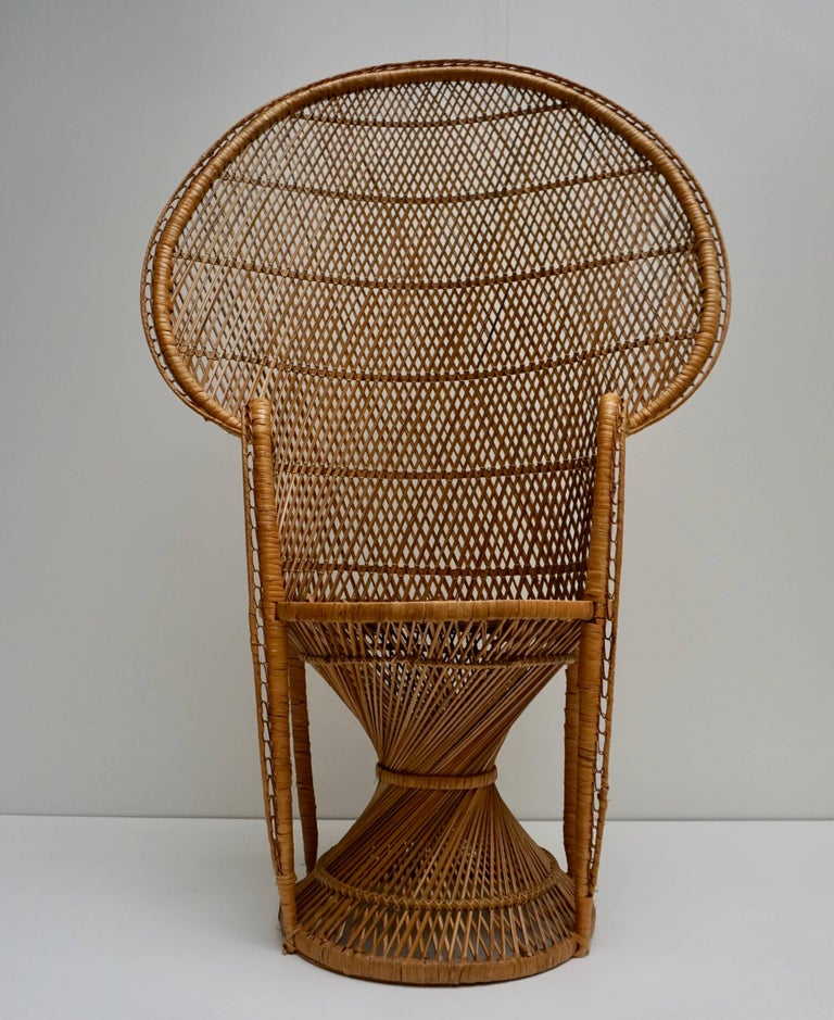 Large Vintage 1970s Wicker Emmanuel/Peacock Armchair For Sale 9