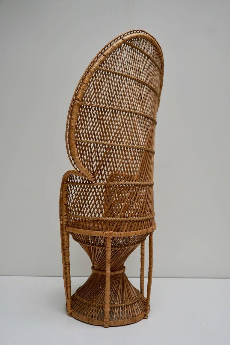 Large Vintage 1970s Wicker Emmanuel/Peacock Armchair For Sale 2