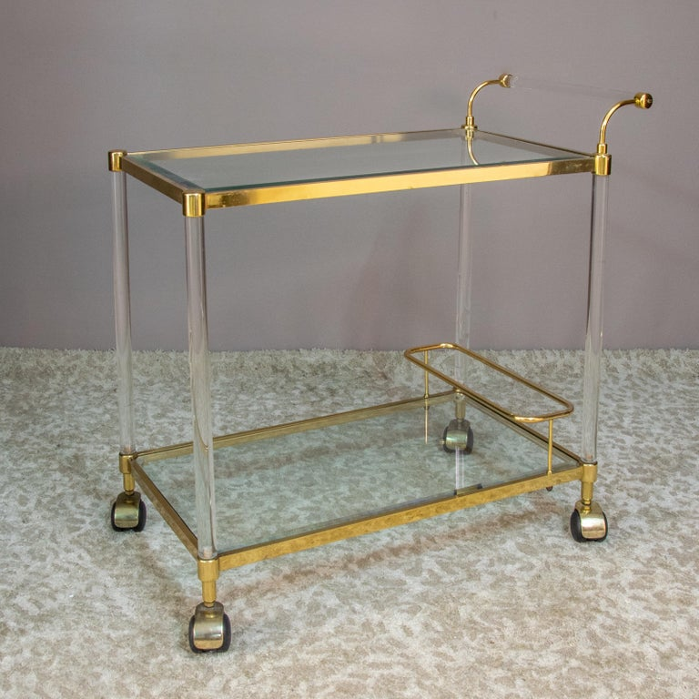 Large Vintage Brass and Plexiglas Two Tiers Italian Trolley, 1980 For Sale 6