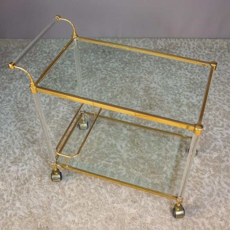 Late 20th Century Large Vintage Brass and Plexiglas Two Tiers Italian Trolley, 1980 For Sale