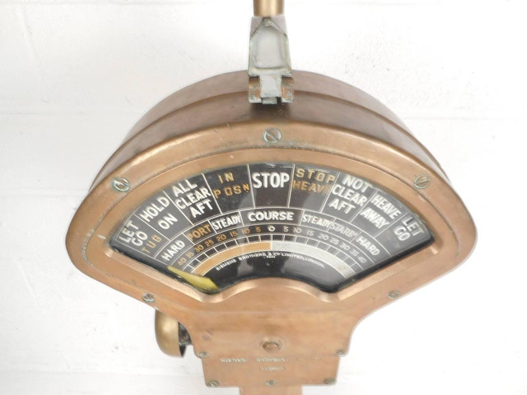 Large Vintage Brass Telegraph by Siemens Brothers and Co. In Good Condition For Sale In Brooklyn, NY
