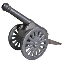 Large Vintage Cast Metal Decorative or Toy Colonial Canon Model