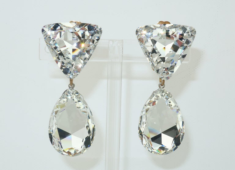 Large Vintage Crystal Drop Clip On Earrings For Sale 4