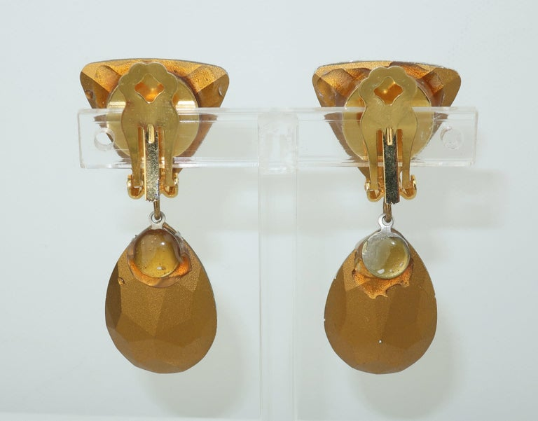 Brilliant Cut Large Vintage Crystal Drop Clip On Earrings For Sale