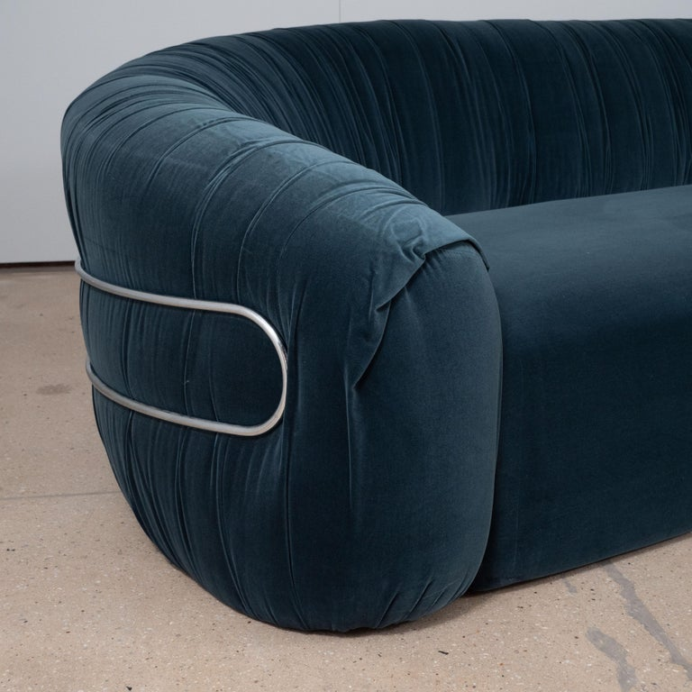Italian Large Curved Sofa with Chrome Back Frame in Blue Velvet, Italy, circa 1980 For Sale