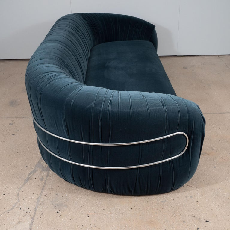 Large Curved Sofa with Chrome Back Frame in Blue Velvet, Italy, circa 1980 In Excellent Condition For Sale In New York, NY