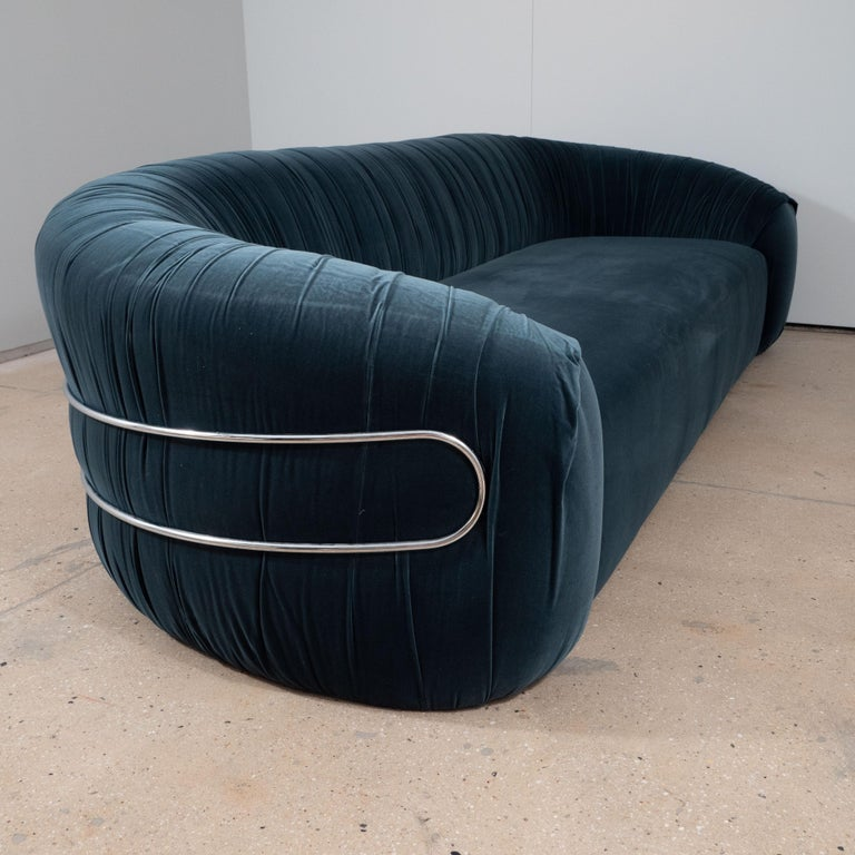 Large Curved Sofa with Chrome Back Frame in Blue Velvet, Italy, circa 1980 For Sale 1