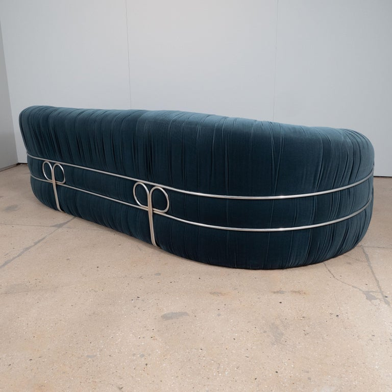 Large Curved Sofa with Chrome Back Frame in Blue Velvet, Italy, circa 1980 For Sale 4