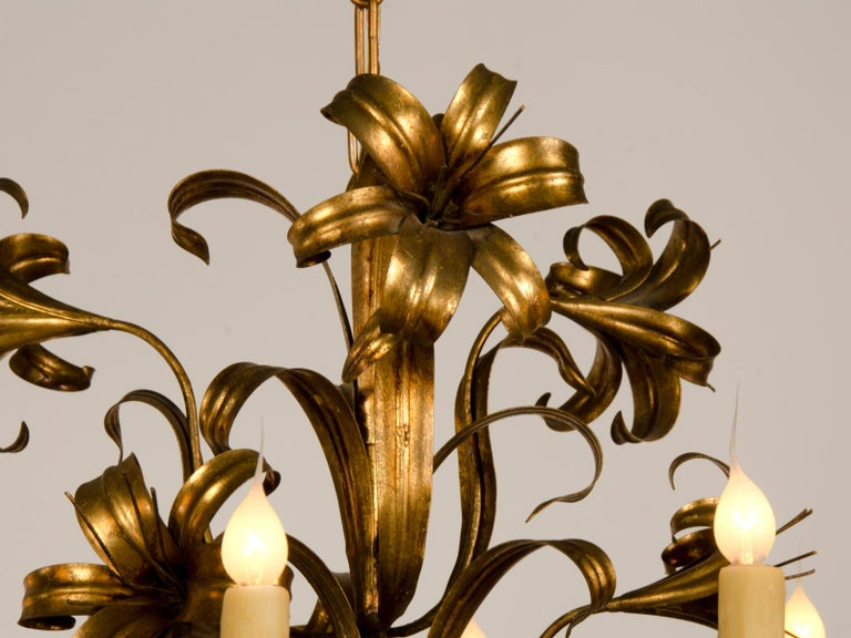 Large Vintage French Gilded Iron Tôle Flower Chandelier, circa 1940 For Sale 7