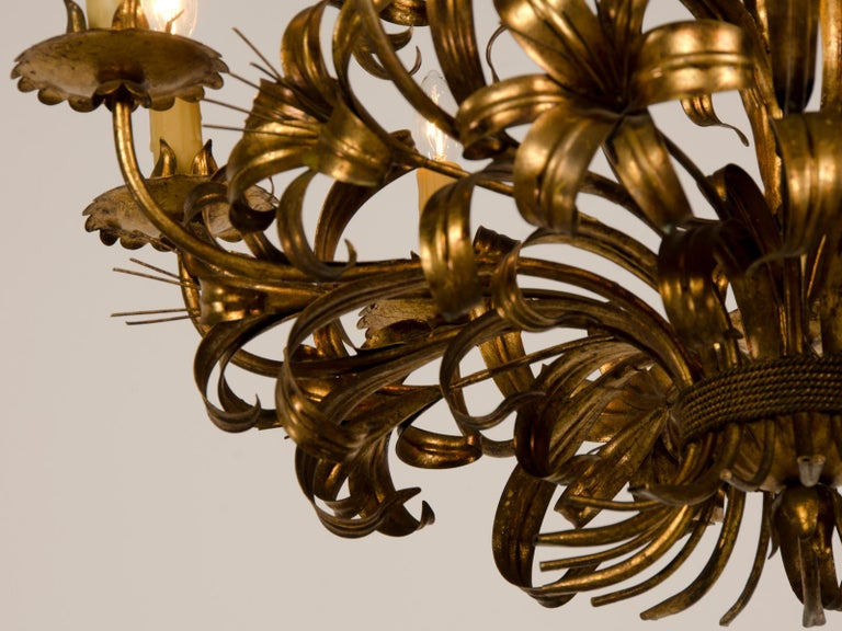 20th Century Large Vintage French Gilded Iron Tôle Flower Chandelier, circa 1940 For Sale