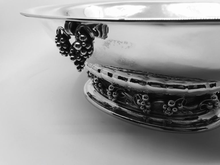 Art Nouveau Large Vintage Georg Jensen Grapes Centerpiece Bowl 296A For Sale