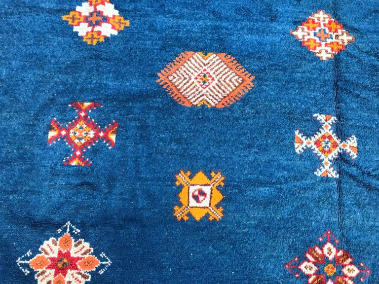 Large Vintage Hand Knotted Moroccan Rug In Good Condition In Saint Ouen, FR