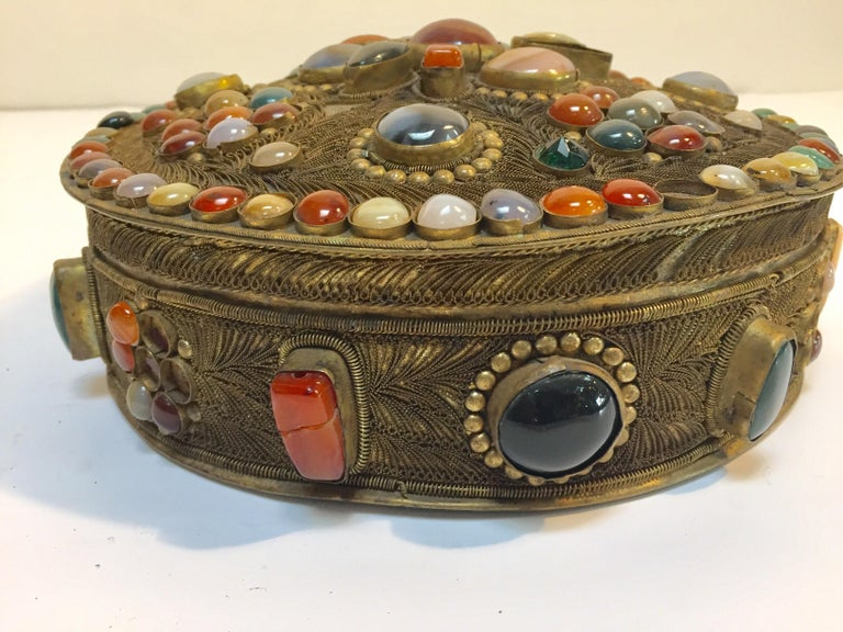 Large Vintage Agate Inlaid Moorish Wedding Jewelry Dressing Box For Sale 8