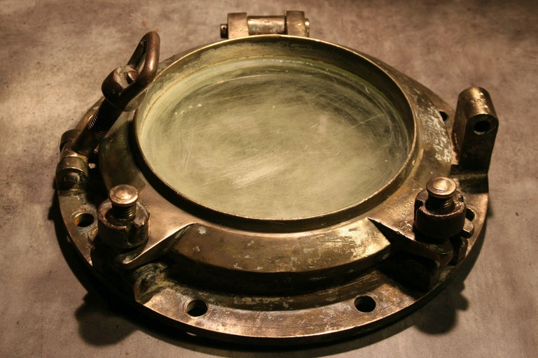 Large Vintage Solid Brass Ship's Porthole In Good Condition For Sale In Warsaw, PL