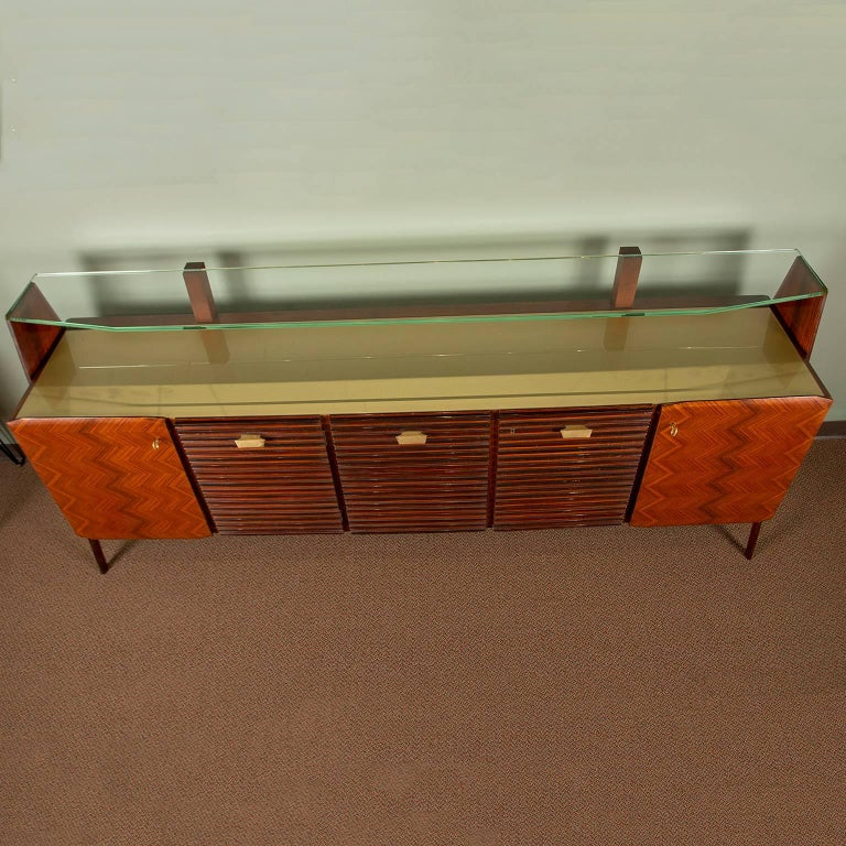 Large Vittorio Dassi Style Italian Sideboard In Good Condition For Sale In Troy, MI
