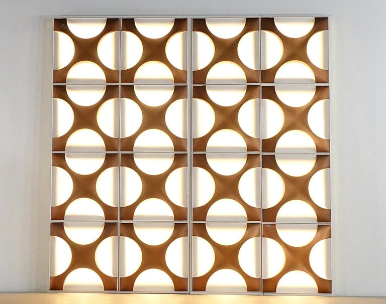 Large wall light sculpture designed by Dieter Witte and Rolf Krüger for Staff Leuchten, Germany, 1968  Overwhelming Oyster copper wall light sculpture size about 2.5 meter x 2.5 meter. 16 oyster elements built in two wooden frames to be arranged in
