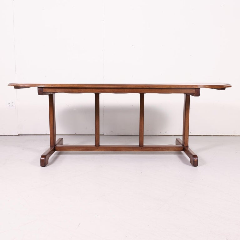 Large Walnut 19th Century French Oval Vendange Table or Wine Tasting Table For Sale 2