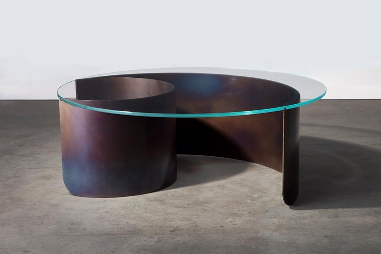 Large Wave Coffee Table in Contemporary Heat Tempered Steel and Starphire Glass For Sale 1
