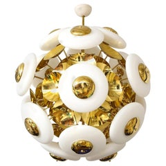 Large White Murano Glass and Brass Sphere Sputnik Round Chandelier, Italy