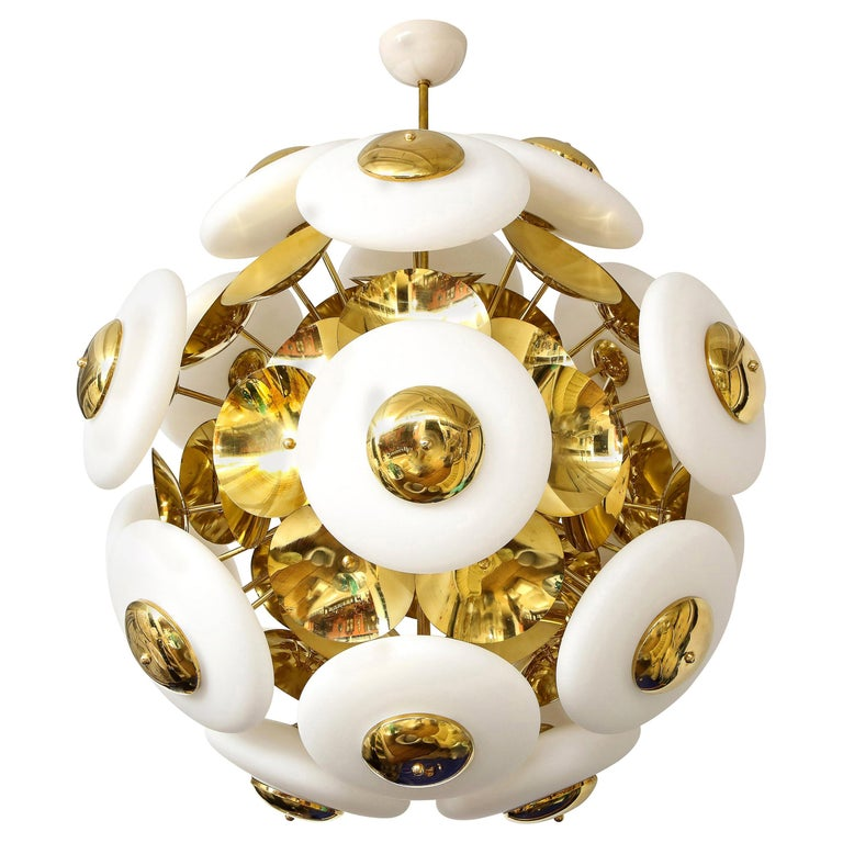 Large White Murano Glass and Brass Sphere Sputnik Round Chandelier, Italy For Sale