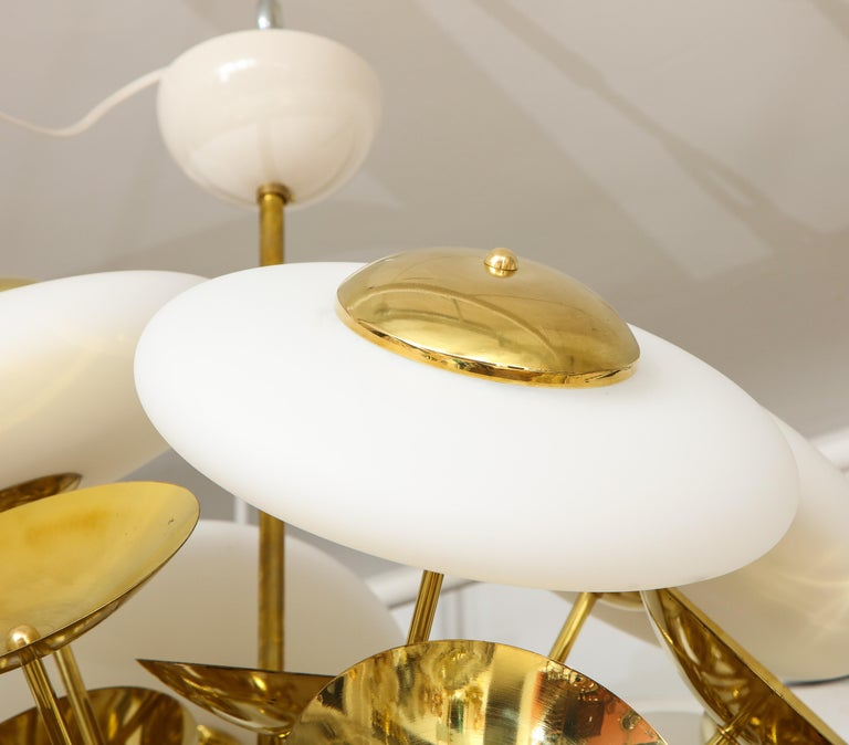 Large White Murano Glass and Brass Sphere Sputnik Round Chandelier, Italy For Sale 9